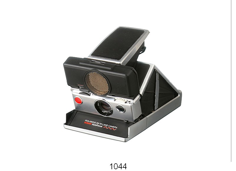 POLAROID SX-70 LAND CAMERA (1975)