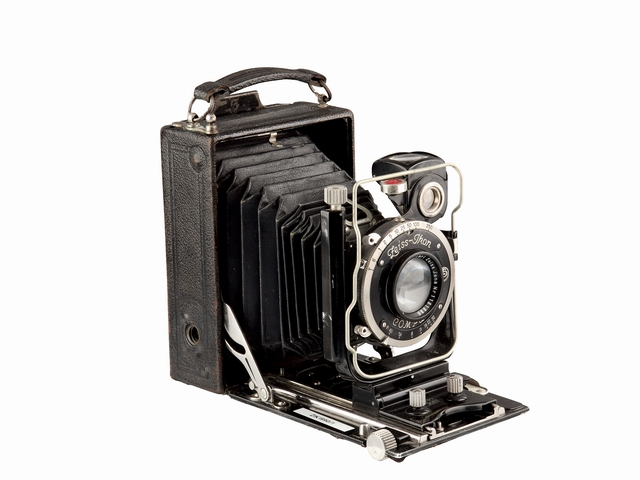 IDEAL 250.3 (Zeiss Ikon, 1927).JPG